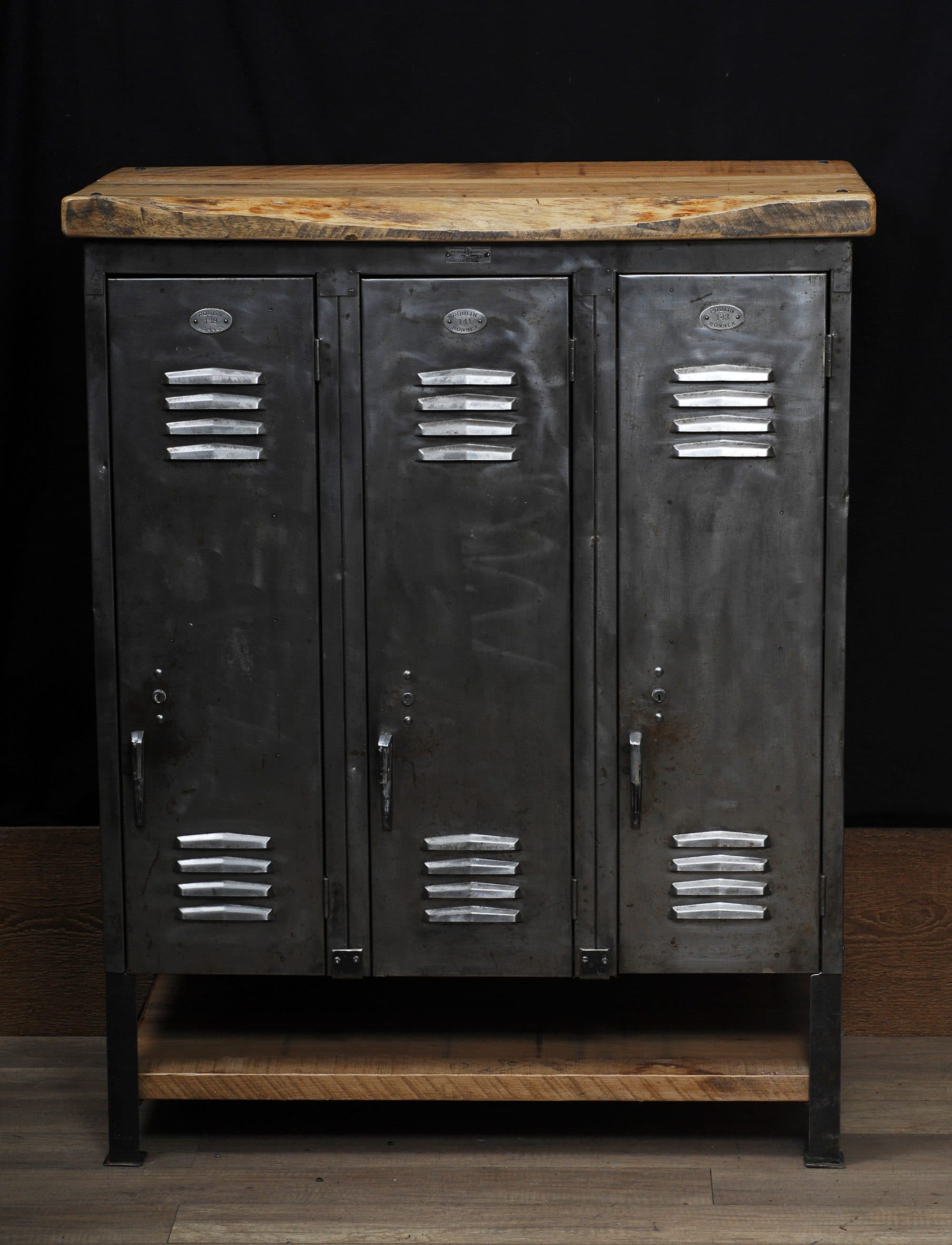 cabinet de rangement casier antique industrial storage unit old locker 2 chance deco. Black Bedroom Furniture Sets. Home Design Ideas