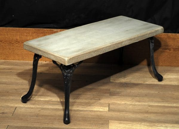 coffee table cast iron concrete industrial table salon en beton et fonte industriel